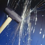 Rotura e un vidrio laminado por impacto