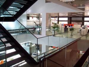 Barandillas de cristal en oficina