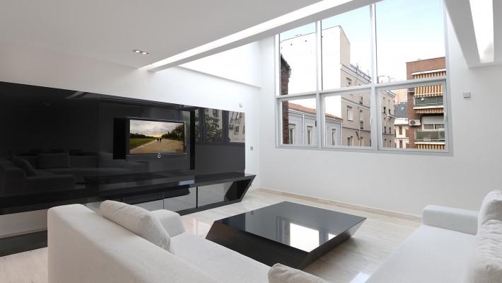 mesa de vidrio del estudio acero