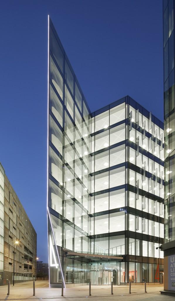 Construccion sostenible con vidrio SunGuard